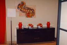 Obras de arte televisivas / Cuadros, pinturas, murales, bolsos, complementos... que han aparecido en series de televisión españolas. Encontrarás todo esto y más en www.conxipuig.com