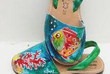 Abarcas menorquinas para niños / Abarcas menorquinas pintadas a mano para niños de la talla 28 a la 36.