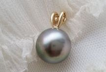 Eco Tahitian Pearl Wedding Jewelry / Kamoka's best Tahitian pearl jewelry pieces for a beautiful wedding day that respects our planet.