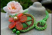 Šperky / Ručně vyráběné šperky z korálků a kamenů Swarovski