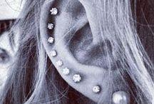 Piercings<33