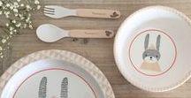 Vaisselle enfants / Children's dishes / À table comme un grand ! Pour accompagner les petits lors de leurs premiers repas et pour leur apprendre à manger seul sans risques, Pure Deco vous propose de découvrir sa sélection de vaisselle aux enfants.