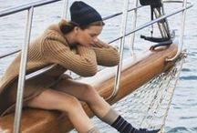 In barca, con stile! / Coco Chanel diceva sempre che la semplicità era la chiave dell'eleganza.  Non servono outfits complicati, quindi, per essere sempre carine...anche in barca a vela! Alcuni consigli di moda, semplici e comodi...perfetti per la tua vacanza per mare. Spunti facili da seguire e imitare, per creare il vostro stile personale e preparare la valigia più adatta all'occasione!