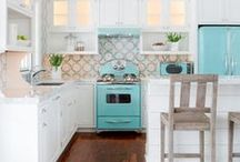 Kitchen Inspiration / A gallery of beautiful kitchens, ideas and projects to inspire you. Discover diy's, products and new trends.