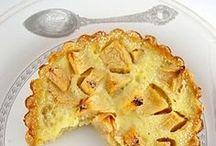 Clafoutis aux pommes / Découvrez des #recettes de #flognardes et de #clafoutis sucrés et salés avec des pommes.
