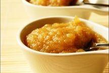 Les compotes de pommes / La compote on l'imagine d'abord aux pommes... Mais pour varier les délices, voici de nombreuses recettes à décliner, choisissez votre compote de pommes préférée !
