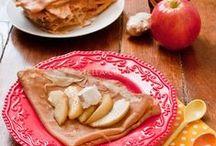 Pomme & crêpes ! / A la chandeleur ou pour une soirée convivial, les #crêpes ne pourront plus se passer des pommes ! Découvrez de nombreuses recettes de crêpes à marier avec des pommes !