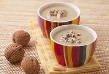 Veloutés aux pommes / Si la chaleur d'une bonne soupe vous fait envie ou que vous vous laisseriez bien tenter par un velouté, vous êtes au bon endroit ! Voici de superbes recettes de potages aux pommes.