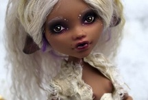 Custom Monster High Dolls / by Delectably Deviant