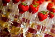Een feest voor het oog / Een mooi gedekte tafel, een prachtig bloemstuk of bijzondere glazen maken het plaatje compleet.