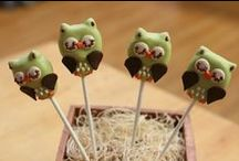 Cake pops / by Mira Westner