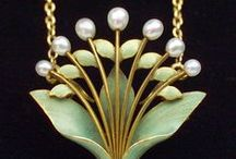 art nouveau jewelries