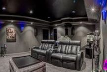 Home Theater Seating / Motion chair. Power recline, cup holder. Leather chair. DBOX sectional.