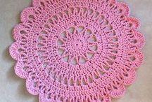 Häkeln • Crochet • Teppiche • Carpets Kostenlose Anleitungen / Teppiche häkeln. Kostenlose Häkelanleitungen & Ideen ❣☺ Häkeln. Anleitungen . Häkelanleitungen, Filethäkeln. Topflappen, Gardinen, Decken. Granny Squares. #häkeln #haekeln #häkelanleitungen #umsonst #gratis #kostenlos #diy #crochet #crochetpattern