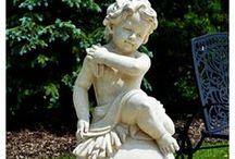 Rzeźby z kamienia / Statuy, popiersia, lwy czy aniołki to tylko niektóre rodzaje rzeźb wykonywanych z kamienia naturalnego, najczęściej marmuru.