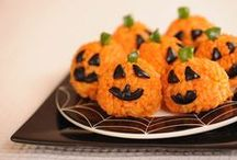 Spooky Vegan/Vegetarian Recipes for Halloween / We've ghost-hunted far and wide among the creepy Halloween webs and found some great Halloween recipes and treats for vegans and vegetarians. Don't be afraid to give them a try!