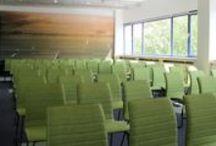 Groene Hart / In de vergaderruimte het Groene Hart laten we een stukje van het prachtige landschap om ons heen terugkomen. Deze ruimte heeft veel daglicht, bevat een goede airconditioning en heeft de snelste WIFI van Woerden (glasvezel)