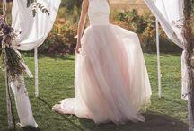 Bride dress / .