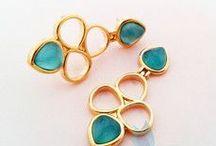 Brincos / Brincos banhados a ouro, com pedras naturais ou cristais de alta qualidade! Garantia de 6 meses. Confira em www.diisis.com.br ou pela loja no facebook.