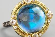 Jewelery I like / by Leslie Jo