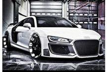 Hayranlık duyulan arabalar / Herkesin hayalinde bir marka ve araç vardır. Bunlarda benim hayallerden