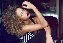 Hair & Curls Everywheeeere
