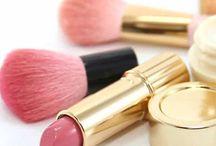 Herramientas de maquillaje / Herramientas de maquillaje, brochas, sombras, utensilios para maquillar y desmaquillar.