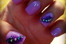 Nails / Pretty Nails