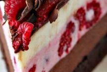 Cakes / Peppermint Mocha Bundt Cake
