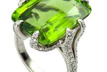 Elegant & Glamorous / Hear Shape Diamond Ring