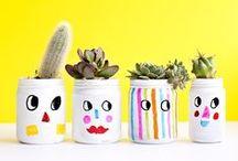 Boites, Pots & Caisses - Boxes, Jars & Cases
