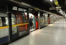 Underground - around the world / Metro, MRT, untergroung, tube, Singapore, modern, train, people