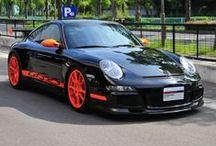 Porsche 911 GT3 RS (2007 Model) / 年式 2007 シフト 6速 ハンドル L 初度登録 平成19年3月 排気量 3,600cc 走行距離 18,000Km 車検期限 平成28年3月 ミッション MT 修復歴 あり カラー(外装) ブラック カラー(内装) STO  装備オプション TPM フロアマット カーボンインテリアパッケージ バイキセノンヘッドライト カーボンリアセンターコンソール カラーシートベルト(ガーズレッド)