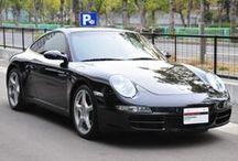 Porsche 911 Carrera S (type 997) バサルトブラックメタリック / 年式 2008 シフト 5速 ハンドル L 初度登録 平成20年7月 排気量 3,800cc 走行距離 23,700Km 車検期限 平成27年9月 ミッション Tip-S 修復歴 なし カラー(外装) バサルトブラックメタリック カラー(内装) サンドベージュ  装備オプション シートヒーター 19インチカレラクラッシックホイール スポーツクロノパッケージ