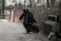 """Gas & oil / My husband-to-be are """"a bomber"""": builds himself badass streetfighterbikes etc."""