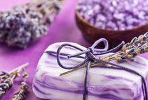 Seifen selber machen / Einfache DIY- Seifenrezepte aus Seifenflocken, Gießseife oder Kernseife für herrlich duftende und pflegende Seifen.