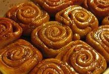 Food: Cinnabon Cakes, Rolls & Pastries