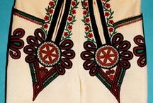 Folklor / moda folkowa, stroje góralskie i in. haftowane stroje ludowe; folk fashion, embroidered costumes