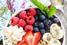 Summer Time Smoothie Bowls / when the weather is hot your breakfast should be cool