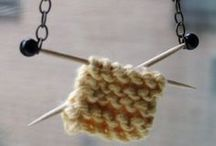 Knitting Shawls, Scarves, Cowls / by AIDA ESPINOSA