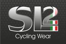 SL2 Cycling Wear - abbigliamento personalizzato per Ciclismo e Triathlon / SL2 Cycling Wear disegna e progetta,per il tuo team,capi per ciclismo e triathlon grazie ad uno studio grafico e ad un esperto laboratorio artigianale.