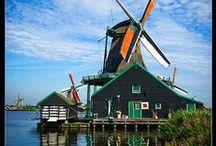 Mes voisins : les Pays-Bas / by Christiane Cornet