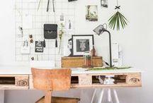 HOME Office / Home Office: Schöne Interior Ideen für den Arbeitsplatz / work space zu Hause! Finde hier Inspirationen, wie du dein Office einrichten, organisieren und dekorieren kannst, ob integriert in Wohnzimmer/Schlafzimmer oder in einem separaten Raum. Dein Büro kann überall sein!