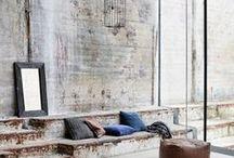 HOME Industrial Style / Wohnideen im Industrial Style: Hier gibt es jede Menge Interior Inspirationen im coolen Fabrik Design - ob Vintage Möbel im Metall Look, Wohnungen im Loft Style, Häuser mit unverputzen Backstein Wänden im Werkstatt Look oder unbehandelte Holz- und Betonböden - der Industrie Style ist total angesagt!