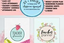 Teacher Binder Printables / Follow this huge collection of handpicked teacher binder printables and get organized in class!