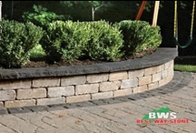 Garden Walls / A collection of Best Way Stone Garden Walls for inspiration.