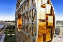 Grandes edifícios / Great buildings / Uma colecção de edifícios que vencem os limites da engenharia no que diz respeito à altura.