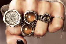 Bling-a-ling / All things bling-a-lingy... Jewelry, Accessories and pretty things. / by Maria Novoa