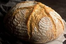 { Beautiful Breads } / Sweet and savory bread recipes.