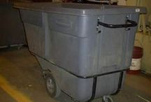 Tilt Hoppers / Used hoppers are made for dumping waste and bulky material quickly and efficiently.